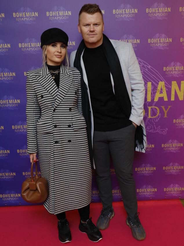 PREMIERE KLARE: Også ekteparet John Arne Riise og Louise Angelica Riise dukket opp på premieren. Foto: Espen Solli / Se og hør