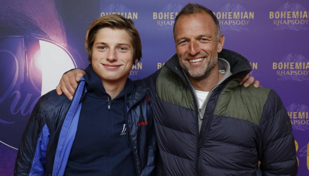 FAR OG SØNN: «71 grader nord»-programleder Tom Stiansen tok med sønnen på premieren tirsdag kveld. Foto: Espen Solli / Se og Hør
