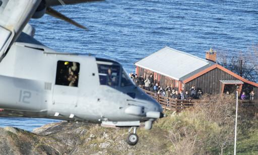 NÆRT: Skuelystne fikk se militærfartøy under Trident Juncture på nært hold. Foto: Hans Arne Vedlog/ Dagbladet