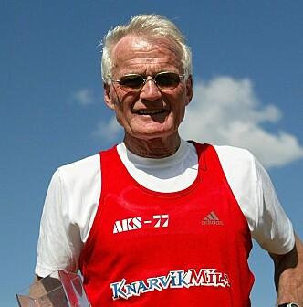 <strong>YDMYK:</strong> Helge Seehus Brekke føler seg ydmyk over alle utmerkelsene han har mottatt gjennom årenes løp. Foto: Privat.