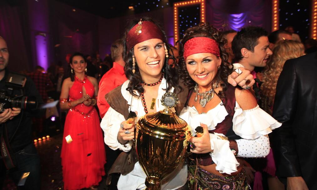 VANT SKAL VI DANSE: Marianne Sandaker vant det velkjente danseprogrammet sammen med Atle Pettersen (t.v.) i 2011. Nå venter danse-profilen barn sammen med kjæresten Markus Thorsen. Foto: NTB Scanpix