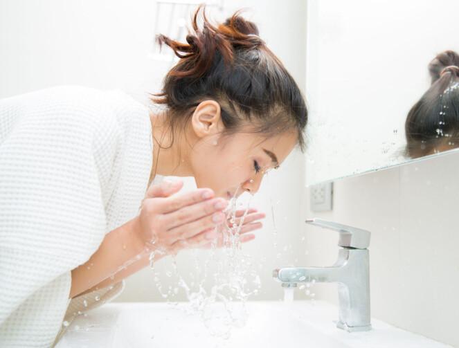 VIKTIG Å RENSE: Få bort de irriterende kvisene med en god hudpleierutine. Foto: Scanpix