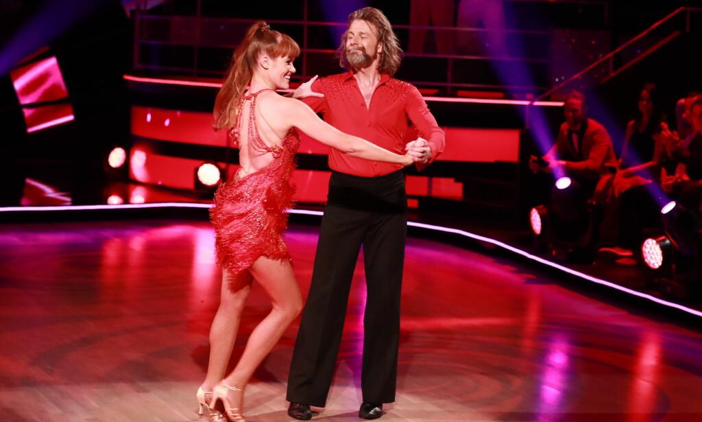 IMPONERER: Einar Nilsson har imponert stort i «Skal vi danse» hittil, sammen med sin dansepartner Anette. Foto: TV 2