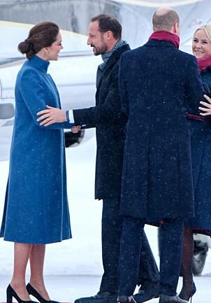 I NORGE: Da hertuginne Kate og prins William ankom Norge i februar, viste hertuginnen bare legger. Foto: NTB Scanpix