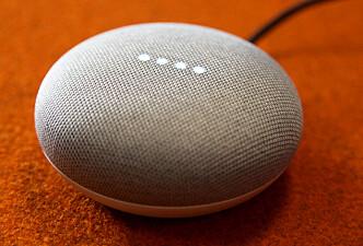 DOTT: Slik ser Google Home Mini ut på nært hold. Foto: Lisa Wisløff