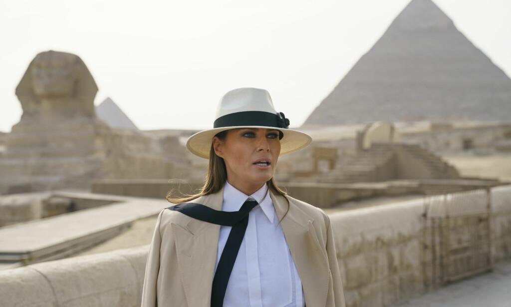 DYR I DRIFT: Melania Trumps besøk til Egypt kostet skattebetalerne nærmere 800 000 kroner. Førstedamen var bare i landet i seks timer, og det stilles derfor spørsmål ved hvordan regningen ble så høy. Foto: AP/ NTB scanpix