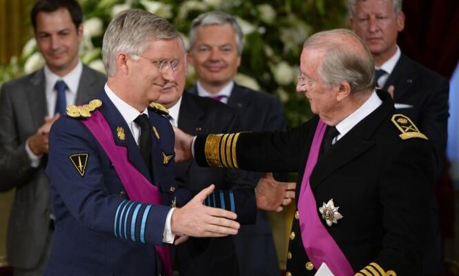 <strong>ABDISERTE FRIVILLIG:</strong> Det var under Belgias nasjonaldag i 2013, den 21. juli, at kong Albert II abdiserte, og sønnen, nåværende kong Philippe tok over tronen. Foto: NTB scanpix