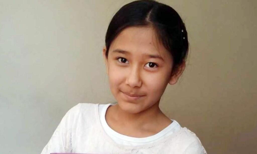 VIL TIL NORGE: Farida Khurami (12) er akkurat ferdig med å vitne i Oslo tingrett i dag. - Jeg håper bare at rettferdigheten vil seire, sier jenta som gjentatte ganger sier at hun er redd i Afghanistan, og at hun vil hjem til Norge. Foto: Privat