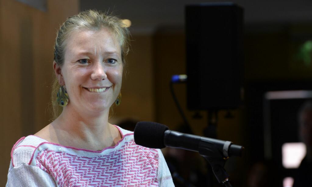 92bf7046 SNAKKER OM DØDEN: Programleder og skribent Vera Micaelsen var kreftsyk i  fire år. I