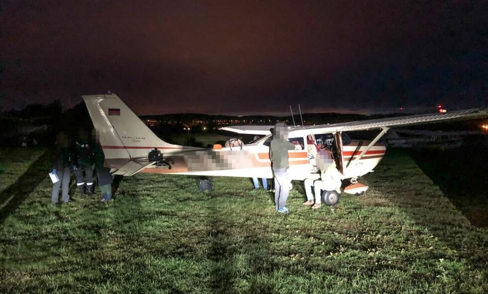 SIKTET: En norsk utelivsprofil er siktet i saken der et småfly landet på Kjeller med 50 kilo hasj og en stor mengde piller. Han erkjenner ikke straffskyld. Foto: Tolletaten
