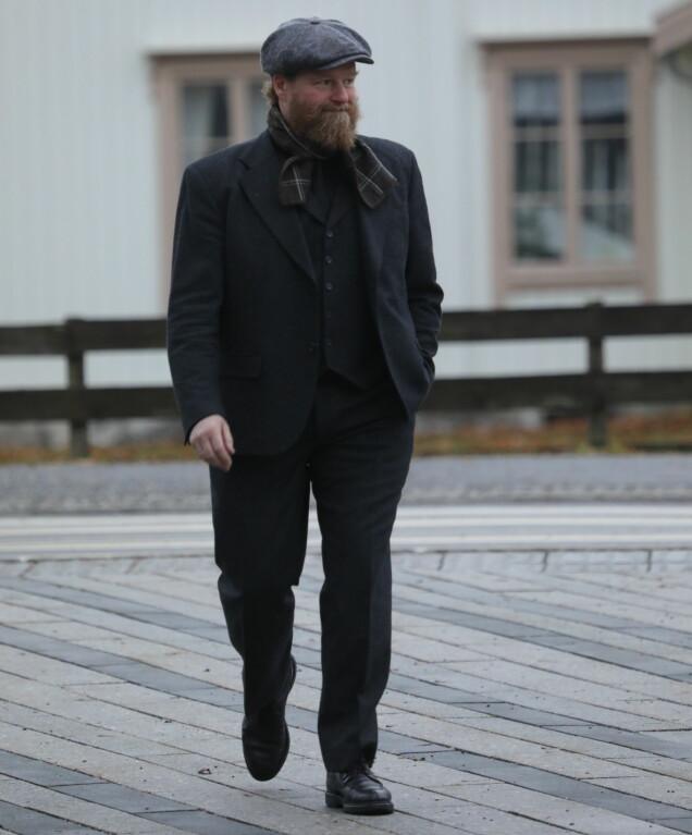 <strong>TIL STEDE:</strong> Petter Schjerven var også blant de oppmøtte i bisettelsen. Foto: Mortein EIk