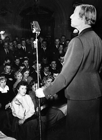 <strong>300 FOREDRAG:</strong> Allerede i 1931 holdt Elise Ottesen-Jensen 300 foredrag om seksualitet og prevensjon. Foto: NTB scanpix