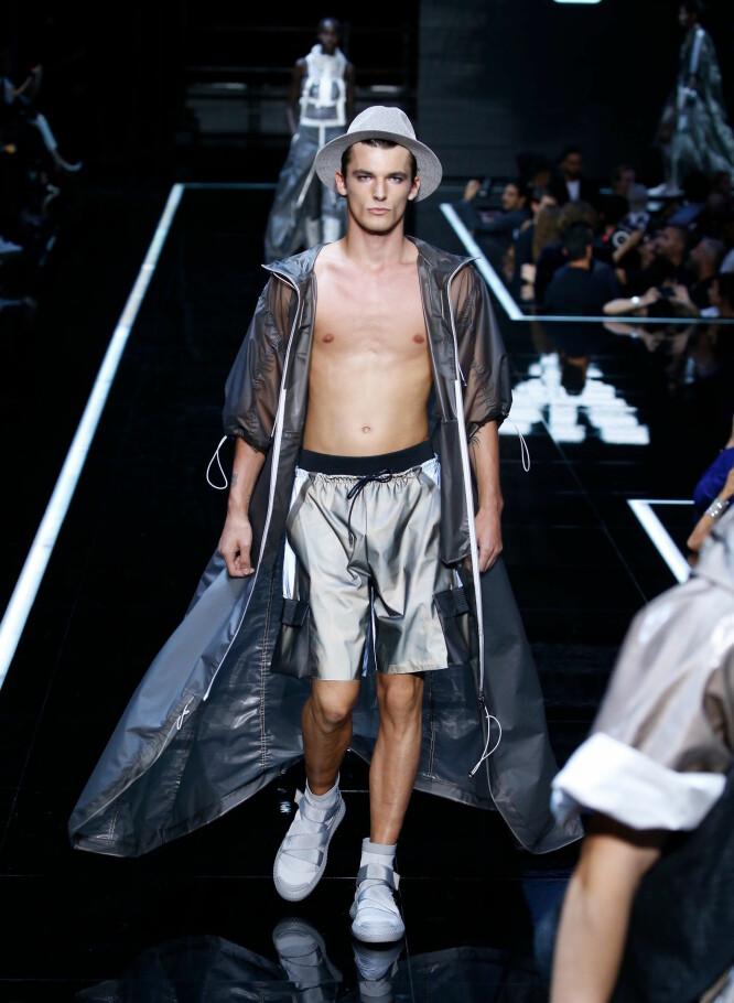 STOLT: Adrian Sellevoll var blant modellene som gikk for Armani nå i høst. Foto: NTB scanpix