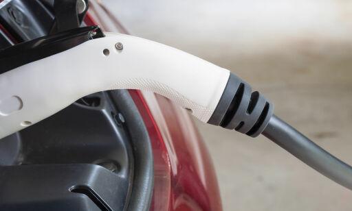 image: Slik lader du elbilen sikkert