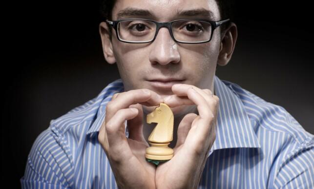 VITENSKAPSMANN?: Simen Agdestein beskriver Fabiano Caruana som en vitenskapsmann, men Ian Rogers mener 26-åringen først og fremst likner på én. Foto: Joel Saget / AFP / NTB Scanpix