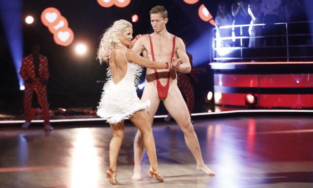 SKJEBNESVANGERT: Det var dette velomtalte stuntet som markerte begynnelsen på slutten for Frank Løkes «Skal vi danse»-eventyr. Foto: TV 2