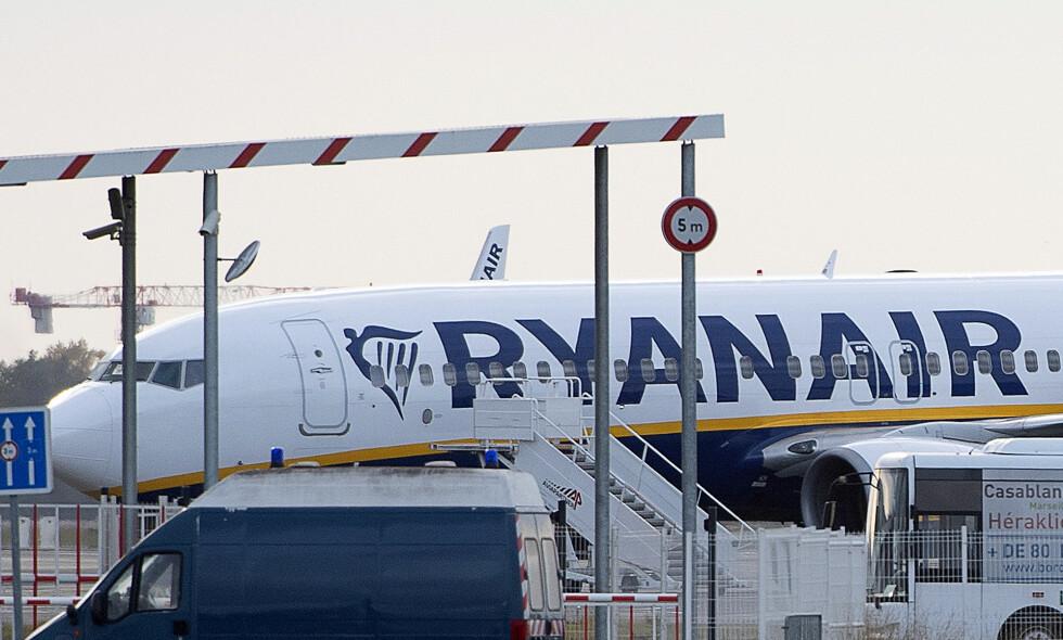 SKYLDTE PENGER: Et Ryanair-fly ble tatt i arrest i Bordeaux etter å ikke ha betalt regningene. Foto: AP Photo / NTB Scanpix