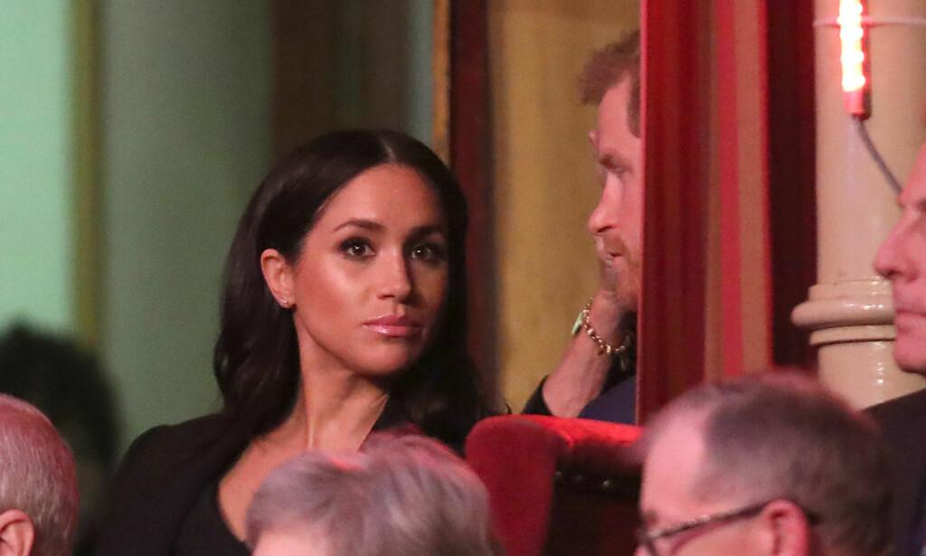 FORVIRRET: Gravide hertuginne Meghan står angivelig nå uten sin personlige assistent. Ifølge britiske medier var ingen klar over at kvinnen ønsket å forlate sin post. Foto: NTB Scanpix
