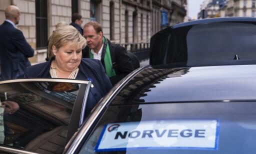 PARIS: Erna Solberg på vei til Triumfbuen for å markere hundre år siden slutten på første verdenskrig. Foto: Lars Eivind Bones / Dagbladet