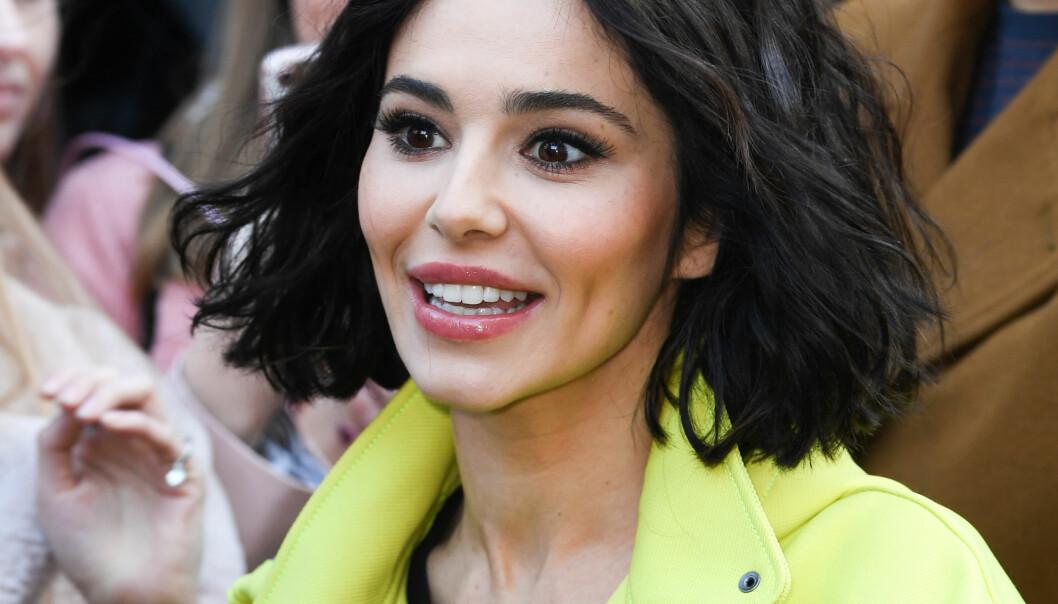 FORANDRET: Cheryl Cole er nesten ikke til å kjenne igjen. Mens flere spekulerer på om hun har fikset på utseendet sitt, forklarer stjernen selv forandringen på en helt annen måte. Foto: NTB Scanpix