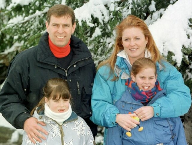 SUCKS FOR CHILDREN: Sarah and Andrew had all the way, despite divorce, a tight band. Here they were photographed in 1999 in Switzerland along with children. Photo: NTB scanpix