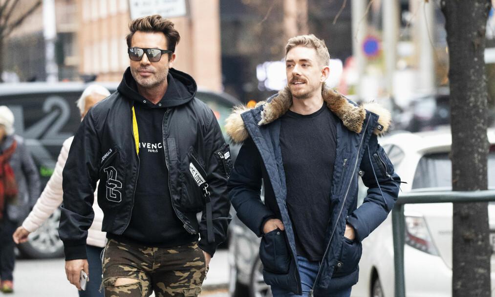<strong>NYE BILDER:</strong> Jan Thomas bekrefter at mannen til høyre, Dan Kolltveit, er den nye mannen i hans liv. - Nå håper jeg å slippe alle spekulasjonene rundt mitt kjærlighetsliv, sier kjendisstylisten til Se og Hør. Foto: Andreas Fadum / Se og Hør