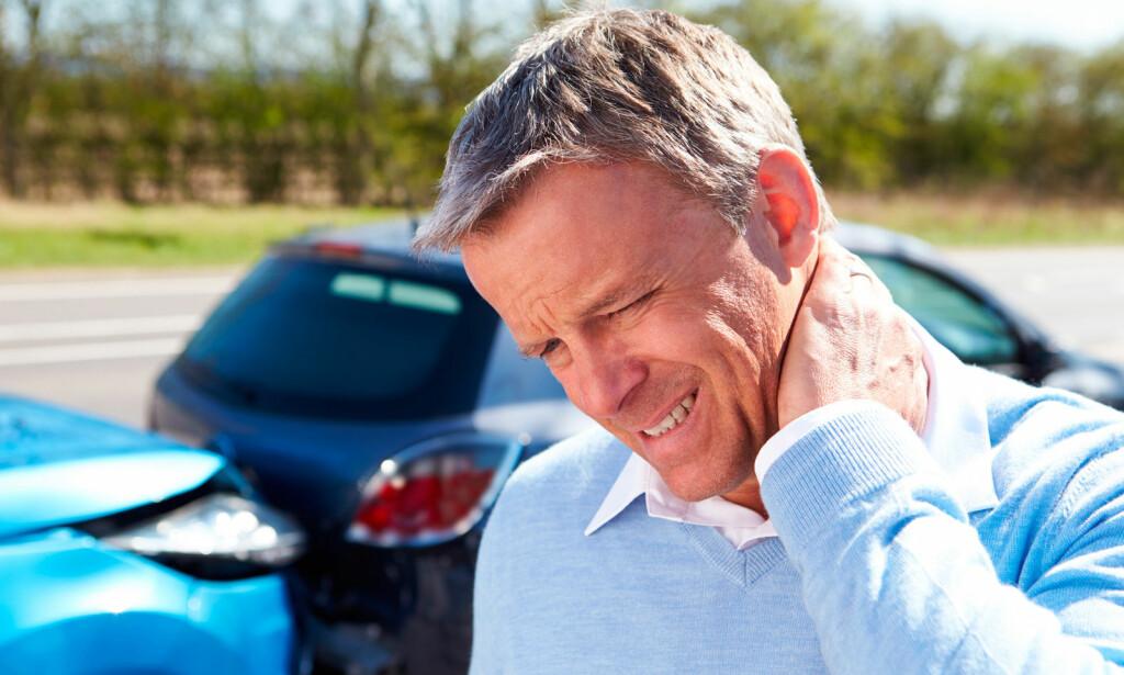 SKADE I NAKKEN: Whiplash er muskelskade, nerveskade og leddskade kan oppstå når nakken blir overstrukket. Typisk skjer skaden i en bilulykke. Foto: NTB SCanpix/Shutterstock