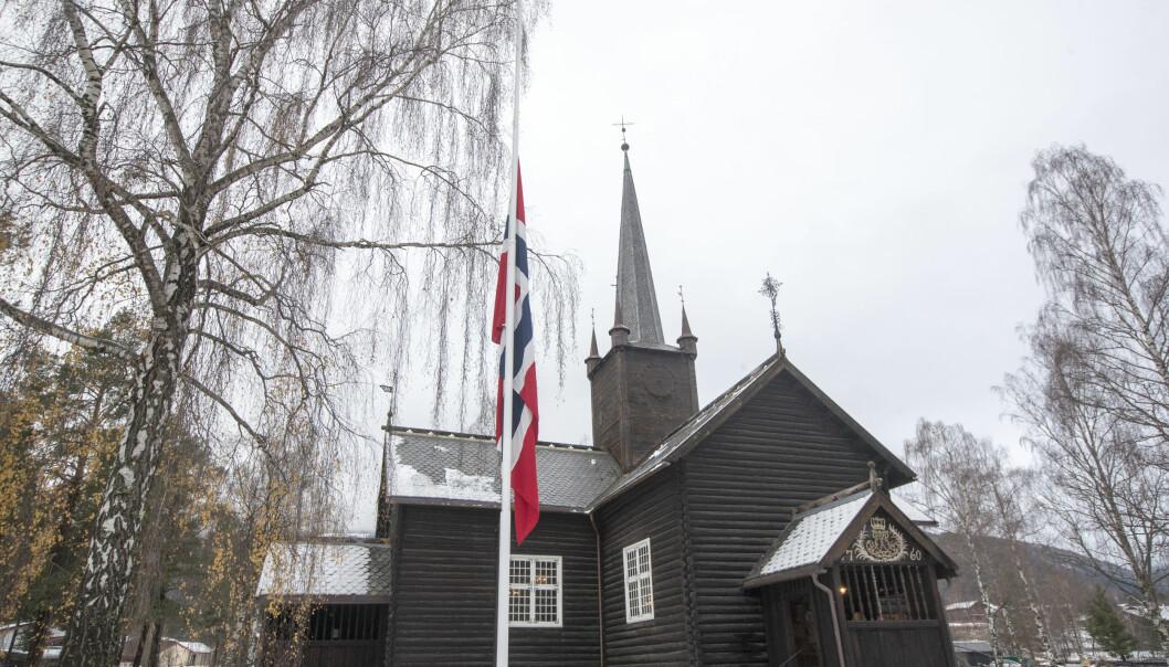 <strong>BEGRAVELSE:</strong> Den 16 år gamle jenta blir i dag begravet i Sødorp kirke på Vinstra i dag. Foto: Terje Pedersen / NTB scanpix