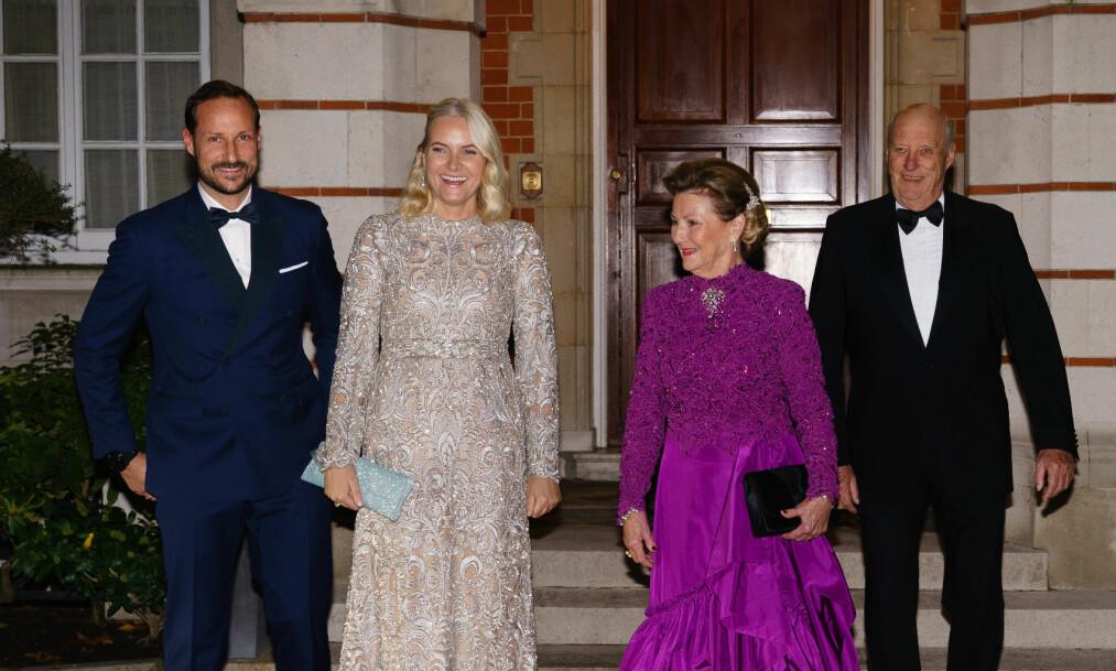 ET SJELDENT SYN: At både kongen, dronningen og kronprinsparet er i London samtidig er et sjeldent syn, ifølge Se og Hørs kongehusekspert. Foto: Peter van den Berg