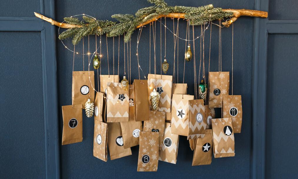 PAKKEKALENDER ELLER KJØPEKALENDER? En ny undersøkelse viser at vi nordmenn i snitt planlegger å bruke 461 kroner på årets julekalender. FOTO: NTB Scanpix