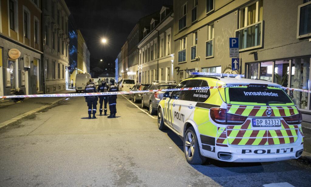image: Mann knivstukket i Oslo og politibetjenter angrepet