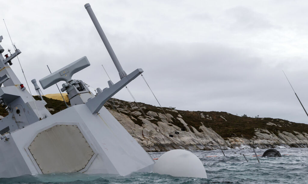 image: Krevende å få opp fregatten: - De får bare ett forsøk, sier ekspert