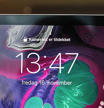 <strong>SIER I FRA:</strong> De eneste gangene Face ID ikke har funket på nye iPad Pro, er når vi har holdt hånden over kameraet. Foto: Kirsti Østvang