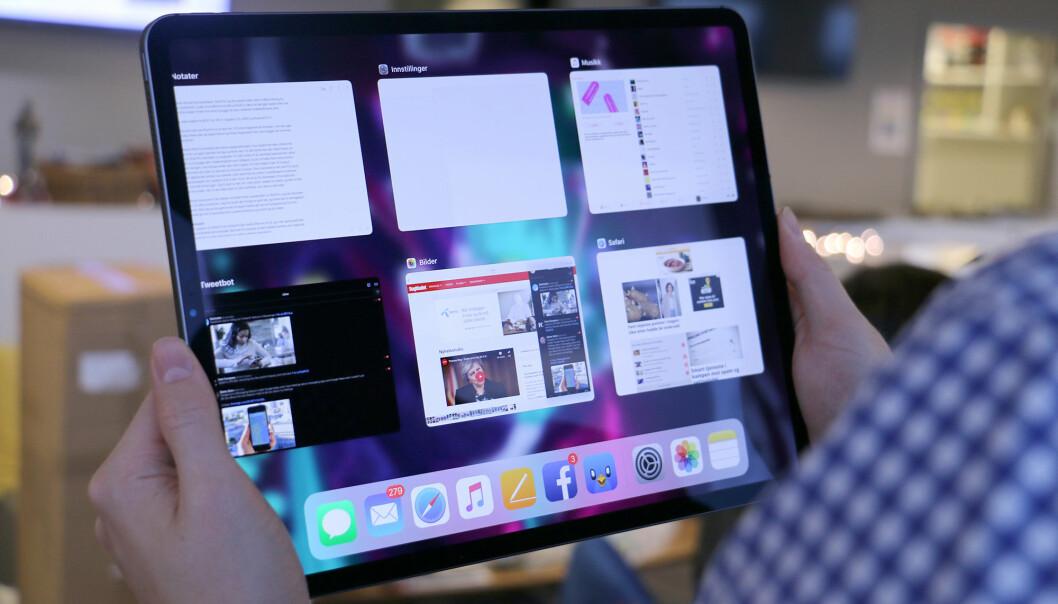 <strong>LETT Å BRUKE:</strong> Selv om det ikke er noen hjemknapp, er iPad Pro enkel å bruke. Styrebevegelsene er intuitive og sitter fort i fingrene, og du glemmer raskt hvordan det var før. Foto: Kirsti Østvang