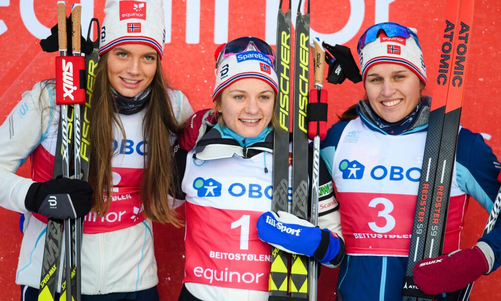PÅ PALLEN: Kristine Stavaas Skistad ble nummer to i sprintåpningen på Beitostølen lørdag. Nå håper hun på VM-plass i februar. Foto: Vegard Vivestad Grøtt / Bildbyrån
