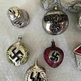 image: Kjøpte nazijulekuler ved en feil. Nå blir han ikke kvitt dem