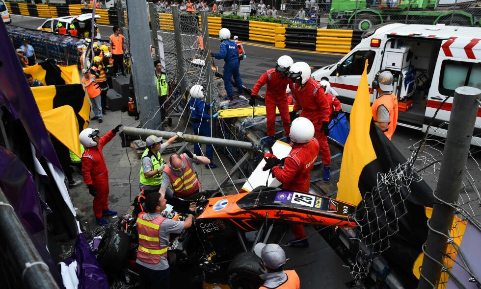 VOLDSOMT SAMMENSTØT: Sophia Flörsch krasjet i 276 kilometer i timen. Foto: Mai Shangmin/CNS/Reuters/NTB Scanpix