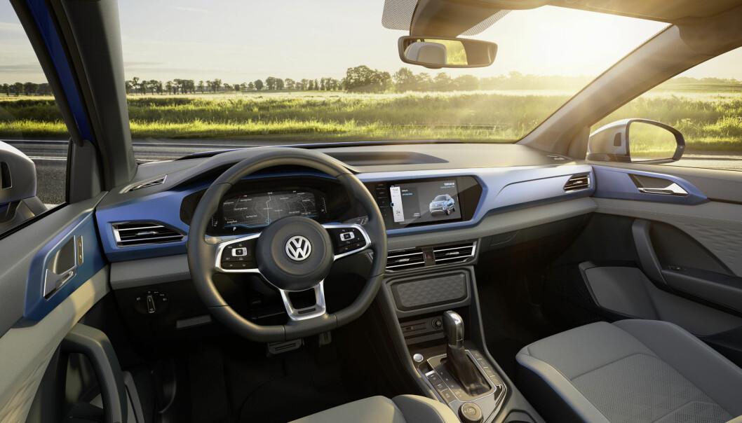 <strong>MODERNE:</strong> Interiøret er moderne og ikke ulikt det vi finner i de populære SUV-ene til VW.