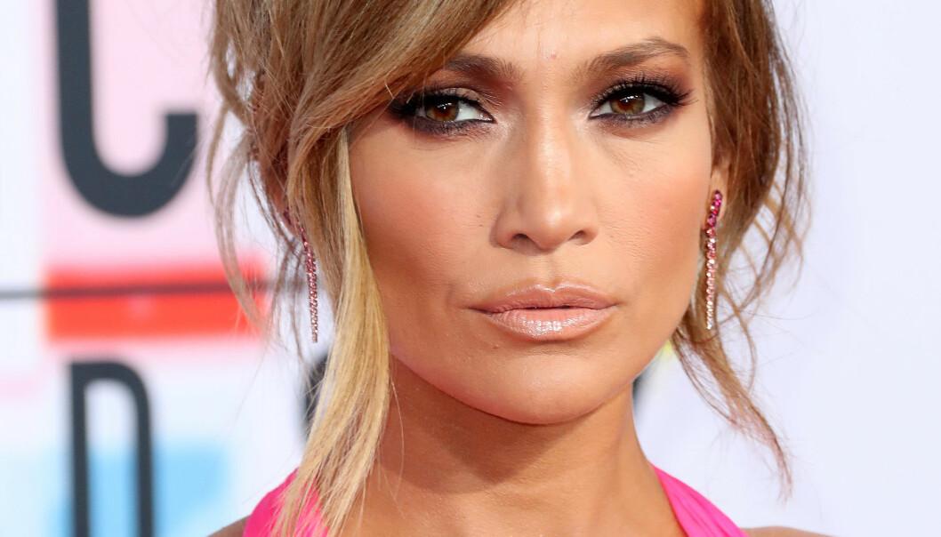 STARTET NY TREND? Jennifer Lopez ble denne uken sett i et antrekk hun har fått massiv oppmerksomhet for. Foto: Scanpix