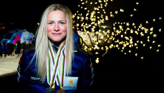 MEDALJEJAKT: Frida Karlsson slo eldre rivaler i junior-VM forrige vinter og er storfavoritt i vinterens junior-VM. Samtidig er hun så god at hun kan bli en joker også i senior-VM i Seefeld. Foto: Bildbyrån
