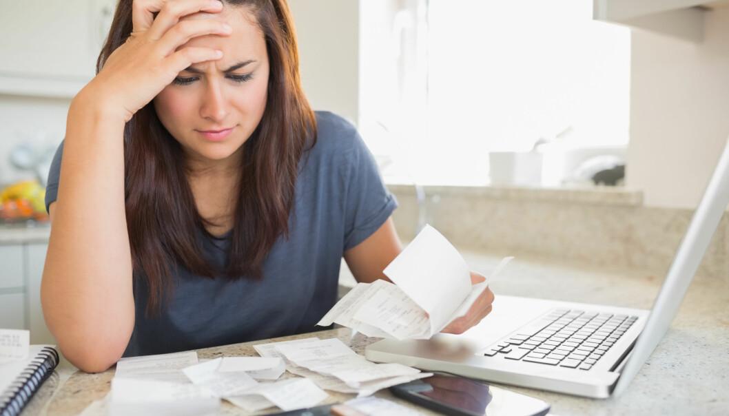 <strong>SMELL SEINERE:</strong> Det kan hende du bør unngå halv skatt i november eller desember, for det kan gi skattesmell påfølgende år. Foto: Shutterstock/NTB Scanpix.