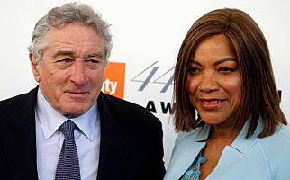 - Robert De Niro (75) is single