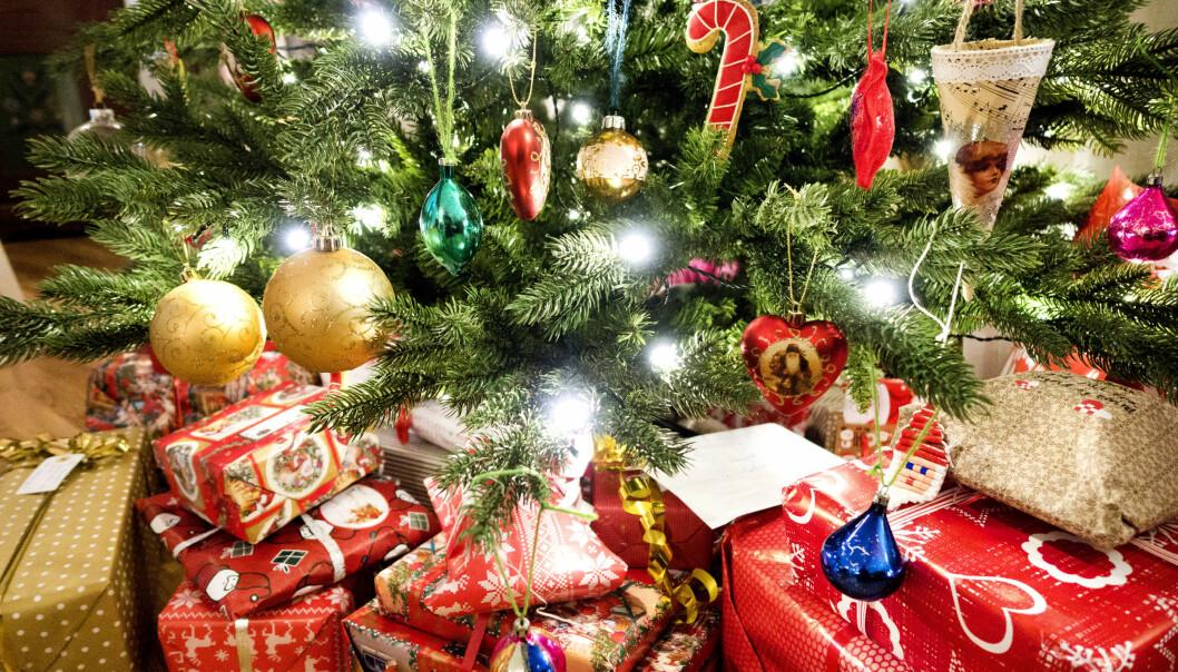 <strong>GAVER UNDER TREET:</strong> Vi har laget en julegaveguide som kan hjelpe deg med å finne julegaver. Foto: NTB Scanpix