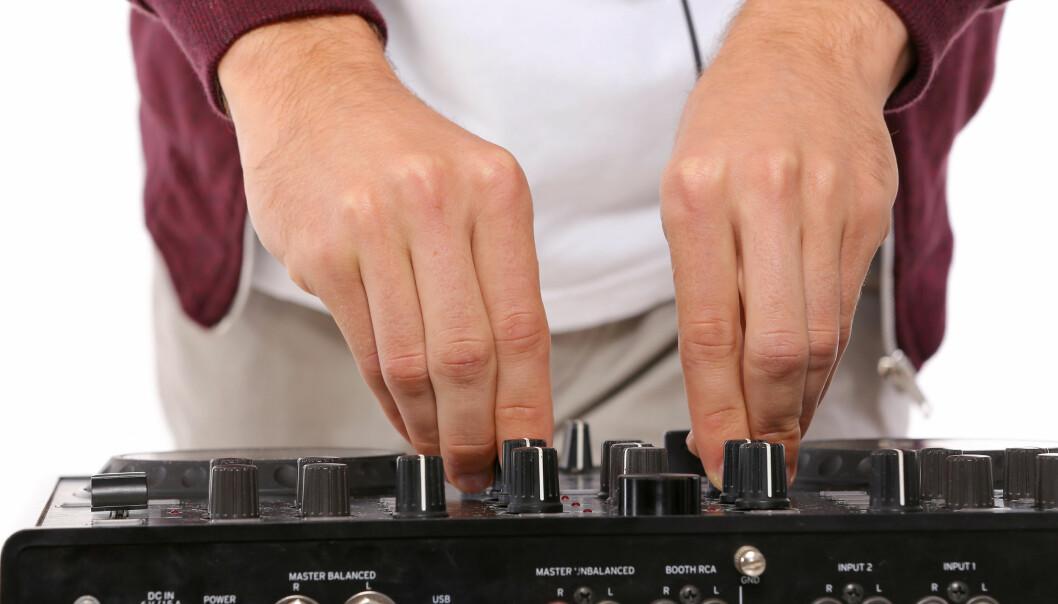 MIKSEBORD? Har du en musikkinteressert i familien kan et miksebord være populært. Foto: Shutterstock