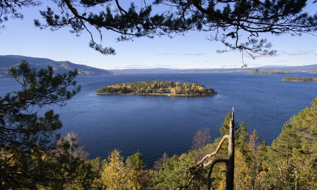 UTØYA: Tyrifjorden og Utøya i Hole kommune sett fra utkikkspunktet Utsikten. Foto: Lars Eivind Bones / Dagbladet