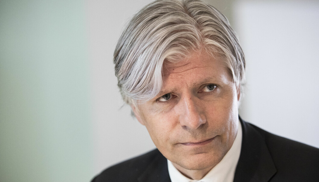 <strong>SKATTEFEST:</strong> Venstre brukte 44.000 kroner på feiringen av deres nestleder Ola Elvestuens 50-årsdag i oktober i fjor. Skattebetalerne fikk halve regningen. Foto: Ole Berg-Rusten / NTB Scanpix