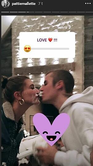 <strong>KAKEKYSS:</strong> Justin ble heldigvis tilgitt av Hailey etter kakestuntet. Foto: Instagram/Pattie Malette
