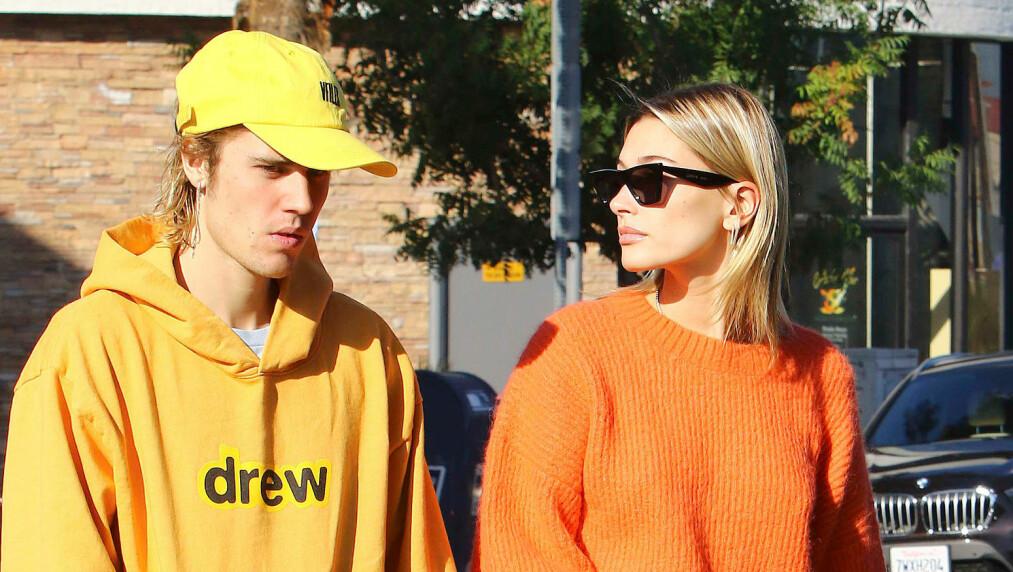 PAR I HJERTER: Justin Bieber (25) går gjennom en vanskelig periode om dagen. Her er han avbildet med kona Hailey Bieber (22), som etter sigende skal være en god støtte for verdensstjernen i den vanskelige tiden. Foto: NTB Scanpix