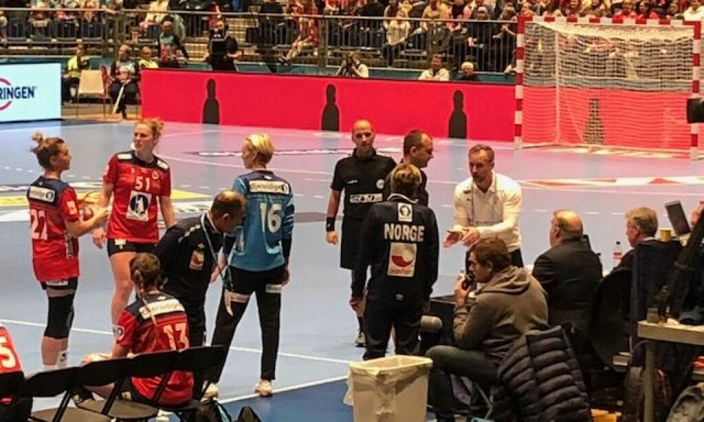 image: Dansk trener raste: - Dette er ikke et talkshow