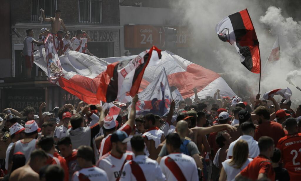 TEMPERATUR: Superfinalen er utsatt til søndag kl. 21. Foto: AP Photo/Sebastian Pani